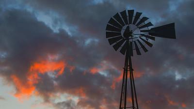 20201201_Barker windmill_0134 16 x 9