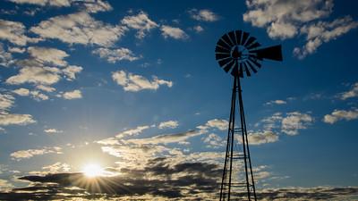 20201201_Barker windmill_0006 16 x 9