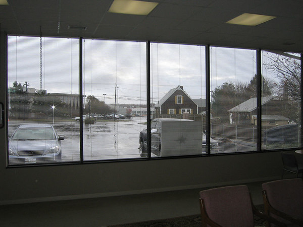Mini blinds (open)