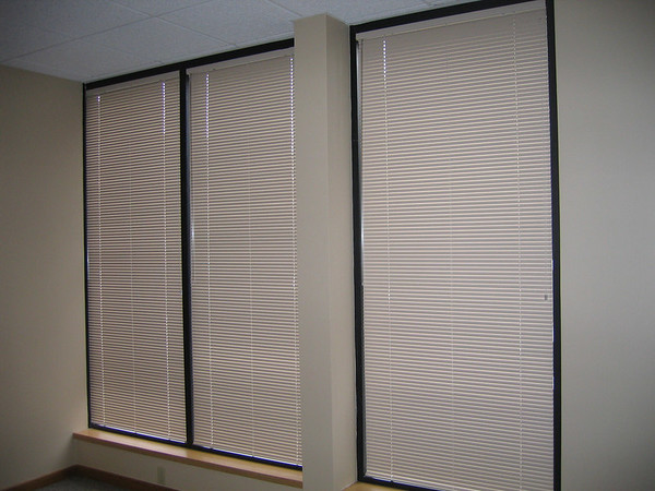 "1"" Mini-blinds in Office space, closed"