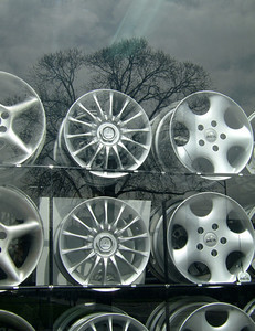 Wheels in winter, Parkville 2003 30 x 37cm