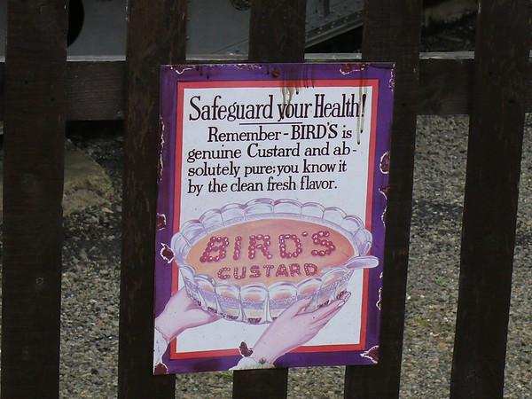 Bird's Custard - Nene Valley Railway, Wansford Station 110903