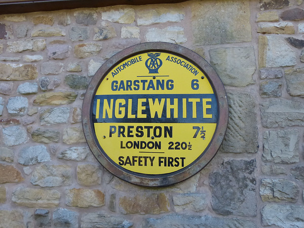 AA Round Sign - Inglewhite 120922