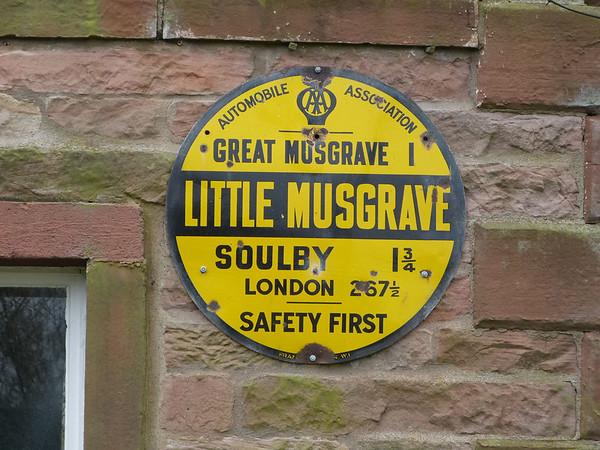 AA Round Sign - Little Musgrave 120407