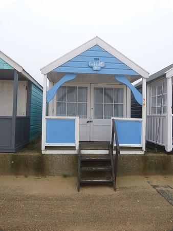 Beach Hut - 'Cockleshell' 121022 Southwold