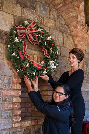 Holiday Wreaths for Charity 2016
