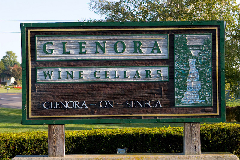 North America, USA, New York State, Finger Lakes Region, Seneca Lake, Seneca Lake Winery Association, Glenora Wine Cellars