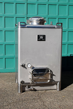 550 Gallon Wine Totes