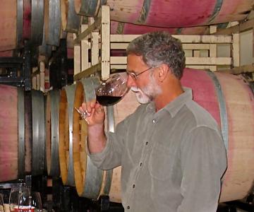 BB tasting in cellar