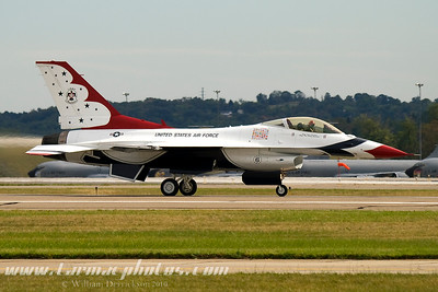 UnitedStatesAirForceThunderbirds_47