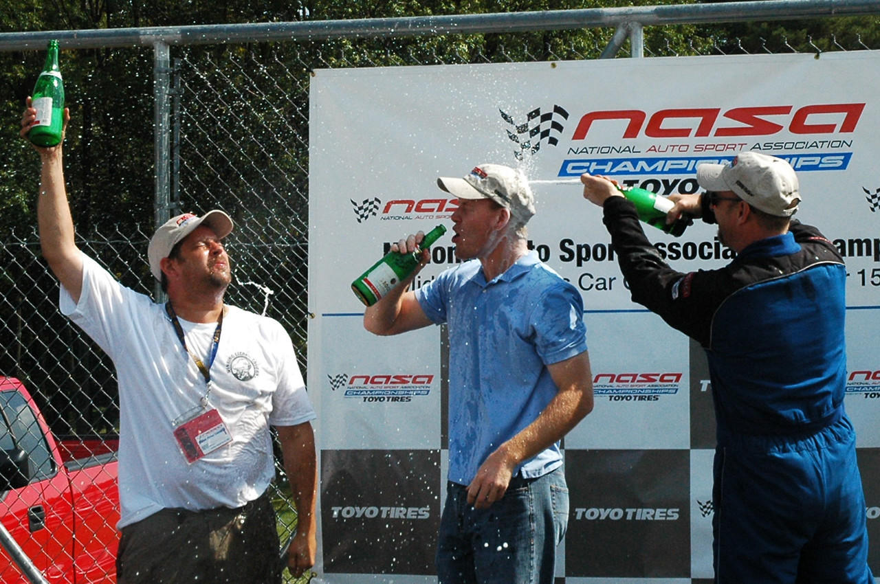 Bill taking a direct hit.  Shawn has obviously been on a podium before.
