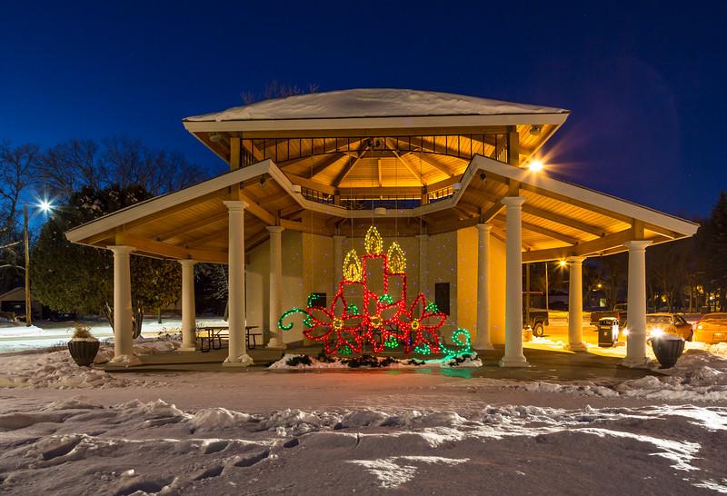 Christmas 2015 lights in Bethel Heritage Park, Winkler, Manitoba, Canada. - Bethel Heritage Park - Topstockphoto