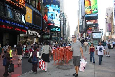 Winnie Pooh/Times Square