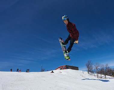 DAVID LIPNOWSKI / WINNIPEG FREE PRESS  Justin Stone enjoys the last day of downhill skiing and snowboarding at Stony Mountain Ski Area Sunday April 15, 2018.