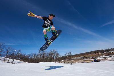 DAVID LIPNOWSKI / WINNIPEG FREE PRESS  Damian Harrison (age 13) enjoys the last day of downhill skiing and snowboarding at Stony Mountain Ski Area Sunday April 15, 2018.
