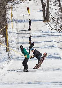 DAVID LIPNOWSKI / WINNIPEG FREE PRESS  Several dozen people came out to enjoy the last day of downhill skiing and snowboarding at Stony Mountain Ski Area Sunday April 15, 2018.