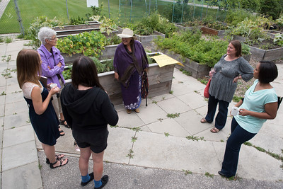 DAVID LIPNOWSKI / WINNIPEG FREE PRESS  A break out group discusses how the welfare act impacts food insecurity at 13 fires: food at Norwest Coop Community Food Centre Saturday August 27, 2016.