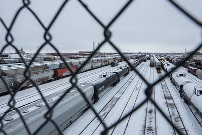 DAVID LIPNOWSKI / WINNIPEG FREE PRESS  Oil tank train cars as seen from the Arlington Bridge Wednesday December 26, 2018.    For a 49.8 feature running Jan5