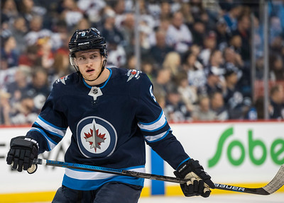 DAVID LIPNOWSKI / WINNIPEG FREE PRESS  Winnipeg Jets #9 Andrew Copp plays against the Calgary Flames Thursday December 27, 2018 at Bell MTS Place.