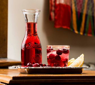 DAVID LIPNOWSKI / WINNIPEG FREE PRESS  Pucker up Sparkling Cranberry Lemonade  Photographed for Wendy King column Monday February 6, 2017.