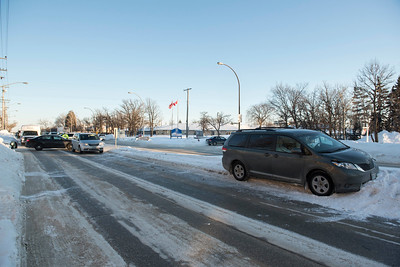 DAVID LIPNOWSKI / WINNIPEG FREE PRESS   Scene of a motor vehicle accident at the intersection of Grant Ave and Cathcart St Wednesday January 11, 2017.