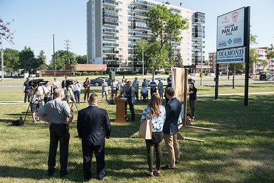 DAVID LIPNOWSKI / WINNIPEG FREE PRESS  Mayor Brian Bowman speaks during the official unveiling of the location of the future River Heights Library, renamed the Bill & Helen Norrie Library Friday July 13, 2018.