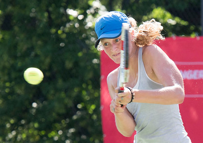 DAVID LIPNOWSKI / WINNIPEG FREE PRESS  Erin Routliffe (Canada) battles Francesca Di Lorenzo (USA) for the women's singles title at the National Bank Challenger Tennis Tournament at Winnipeg Lawn Tennis Club Sunday July 17, 2016. Francesca Di Lorenzo won the final.