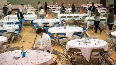 DAVID LIPNOWSKI / WINNIPEG FREE PRESS  Volunteers set up Shabbat  dinner tables at the Rady Jewish Community Centre Friday March 3, 2017 in preparation for a community wide Shabbat dinner where 400 attendees are expected. Winnipeg synagogues are cooperating on this event, and similar events  across Canada and the US are happening on Friday night as well.