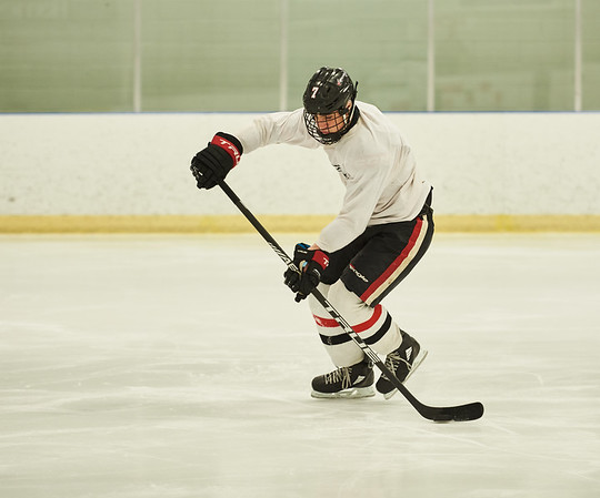 DAVID LIPNOWSKI / WINNIPEG FREE PRESS  Carson Lambos (#7) will be drawn in the WHL bantam draft on Thursday, he is seen during hockey practice at Southdale Community Centre Tuesday May 1, 2018.