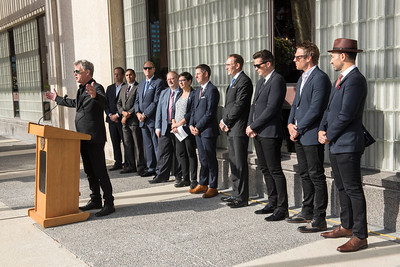 DAVID LIPNOWSKI / WINNIPEG FREE PRESS  David Foster receives Winnipeg's highest honour, the key to the City from Mayor Bowman Friday September 23, 2016 at City Hall.  A Transplant Manitoba flag was also raised to promote the importance of organ donation in Manitoba.
