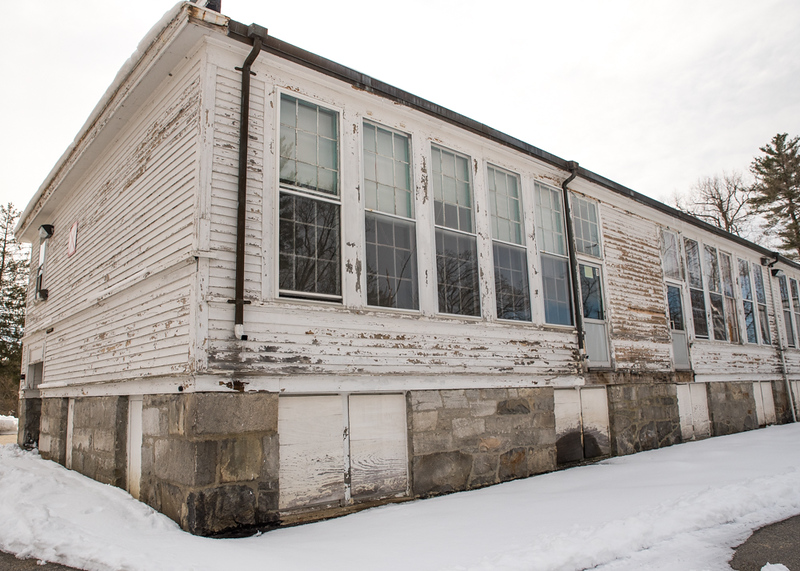 . Exterior of Tyngsboro\'s Winslow School.   Photo: Scot Langdon/SUN