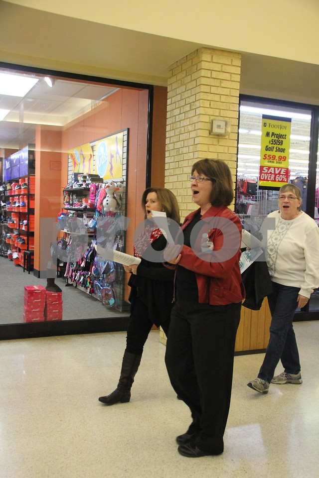 Crossroads Mall in Fort Dodge, was the place to be if you enjoy crafts and vendor shows. The Winter Craft and Vendor Show took place there on Saturday, December 19,2015. Pictured are some of the Carolers who sung Christmas carols to delight the ears of shoppers while they shopped.