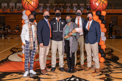 High School Basketball: Winter Park host Jones