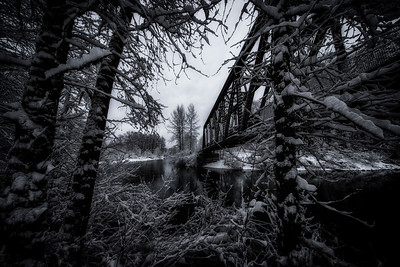 Ped Bridge Snoqualmie River Snowy Morning BW 2-4-19
