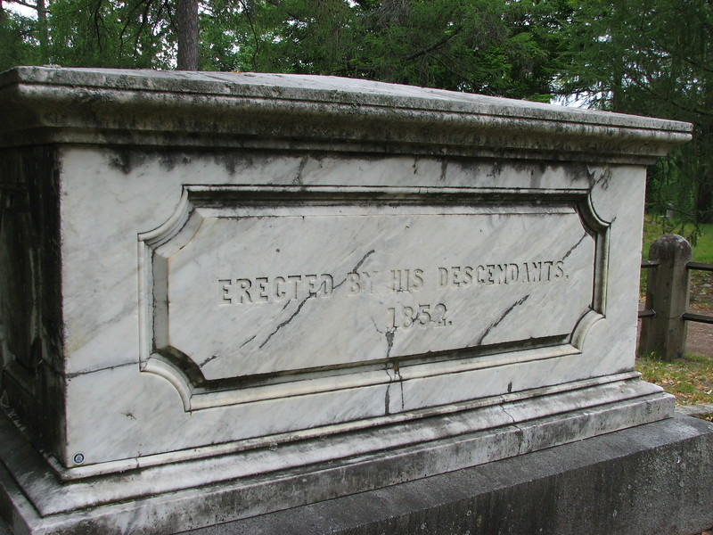 Opposite side of Lincoln's grave