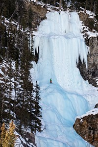 Lake Louise Falls Ice Climbing