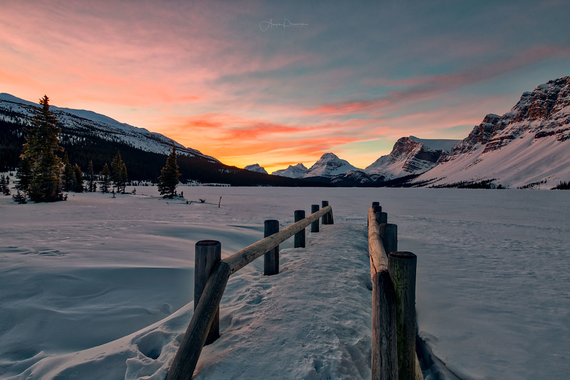 Sunrise at Bow Lake