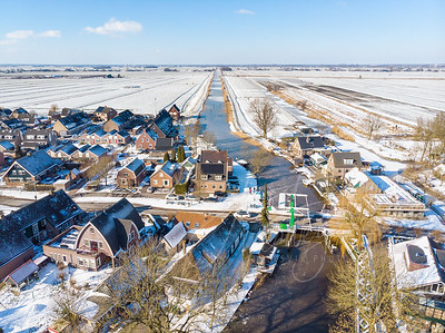 Luchtfoto brug bij Ottoland in winter landschap D2102120744