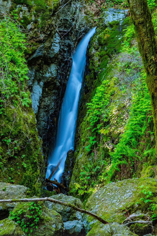 The Big Plunge of Upper Cataract Falls