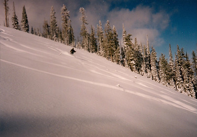 It really can't be much better than this! Nice steep slope. Fluffy white stuff and blue skies.