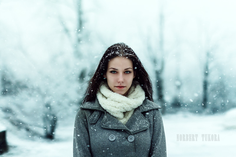 Krisztina - Winter Natural Light