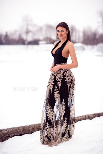 Rebeka - Winter Natural Light