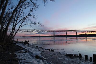 The Hudson Freezes