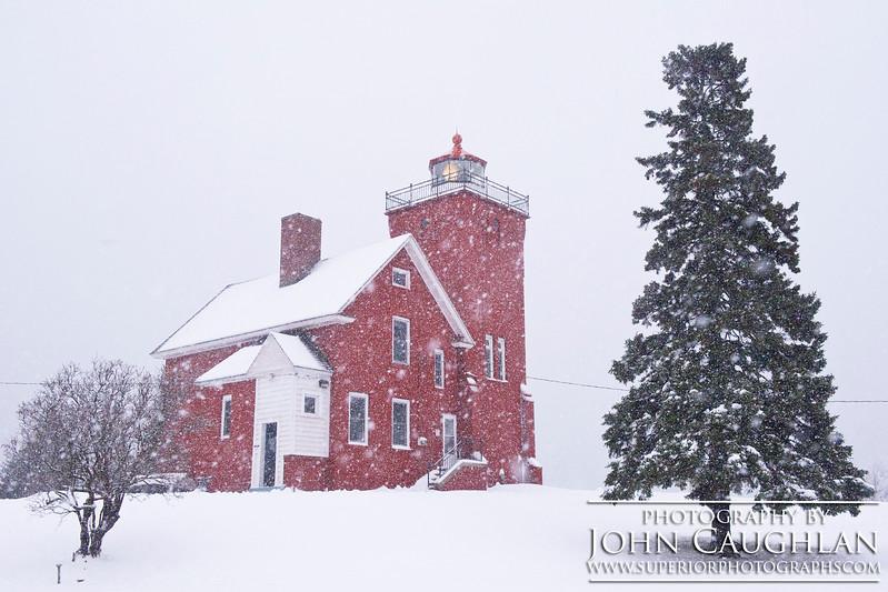 THlighthouse(winter1c)