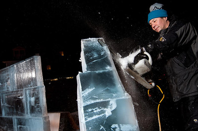 Winterfest Ice Carving (Sy Stepanov)