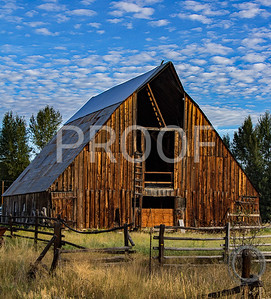 Wooden barn Twisp, WA