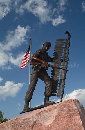 Clark County, Highground Statue