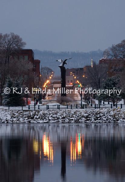 Evening LIgnt on Eagle Statue