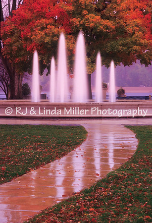 LX000832 Lax - Fountain Riveside Pk