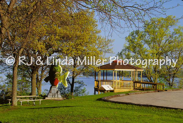 La Crosse, WI, Onalaska Park Gazebo, Lake Onalaska Overlook